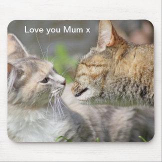 love you mum kissing cats mouse mat