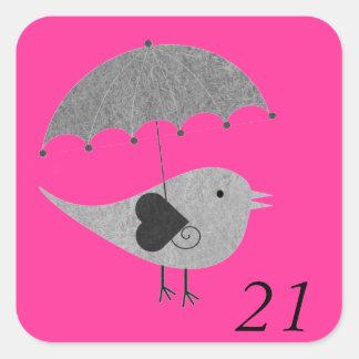 Lovebird lindo con el paraguas pegatina cuadrada