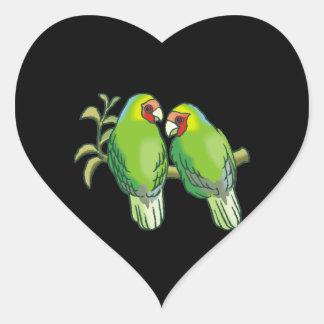 Lovebirds (2) pegatina en forma de corazón