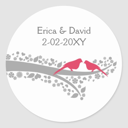 lovebirds banales del rosa del árbol que casan a pegatina redonda