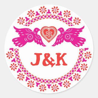 Lovebirds rosados y pegatina redondo rojo