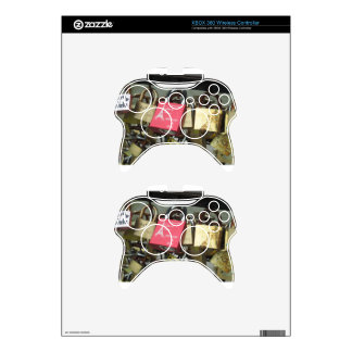 Lovers Bridge - Paris Love Locks, France - Zoom in Xbox 360 Controller Skin