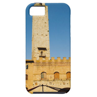 Low angle view of tower of a building, iPhone SE/5/5s case