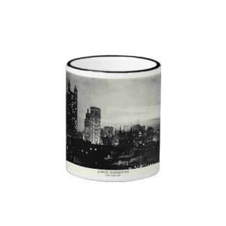 Lower Manhattan 1898 en la oscuridad Tazas De Café