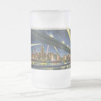 Lower Manhattan en el vintage de la noche Taza De Cristal