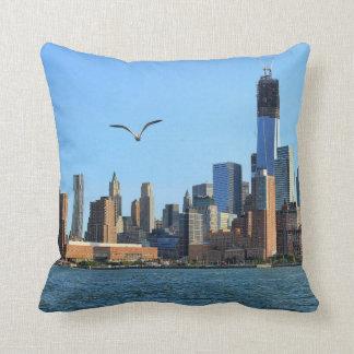 Lower Manhattan Skyline: WTC, Woolworth Pillow