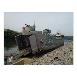 LST 325 de USS atracado en Clarksville Tennessee Tarjetas Postales