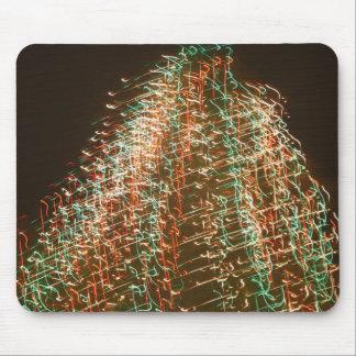 Luces abstractas del árbol de navidad, fondo negro tapetes de raton