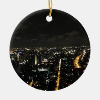 Luces de la noche de Bangkok Adorno Navideño Redondo De Cerámica