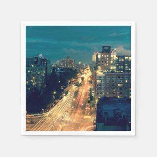 Luces de la noche de la ciudad servilleta desechable