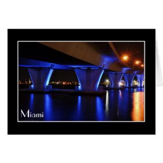 Luces de la noche en Miami - tarjeta de felicitaci