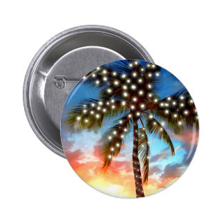 Luces de la palmera del día de fiesta en la puesta pin