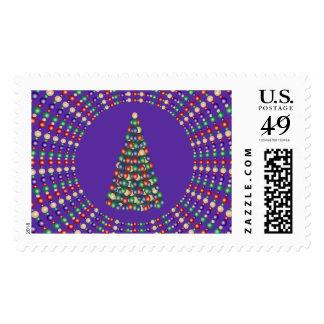 Luces de navidad y diseño del árbol sello postal