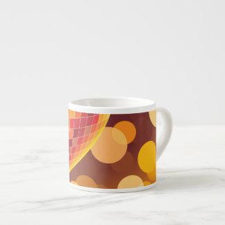 Luces de oro del tiempo del fiesta de disco taza espresso