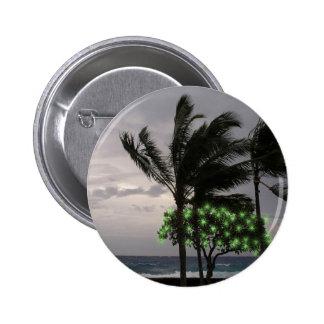 Luces del día de fiesta en las palmeras pin