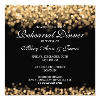 Luces del oro de la cena del ensayo del boda invitaciones personales