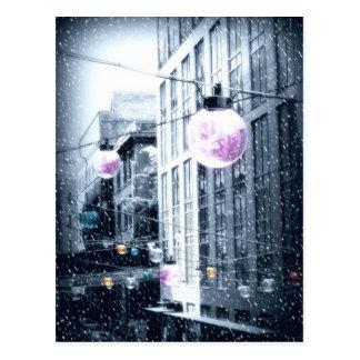Luces urbanas del día de fiesta postales
