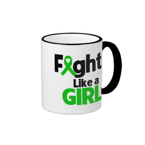 Lucha del cáncer del riñón como un chica tazas de café