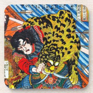 Lucha legendaria japonesa fresca del tigre del gue posavasos