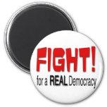 Lucha para una democracia real iman de frigorífico
