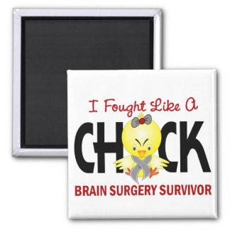Luché como un superviviente de la neurocirugía del imán cuadrado