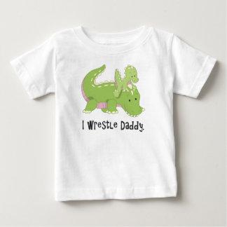 Lucho la camiseta del cocodrilo del papá playeras
