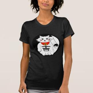 Lucky Cat- Maneki Neko - Beckoning. Tshirts