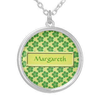 Lucky Five Leaf Clovers Round Pendant Necklace