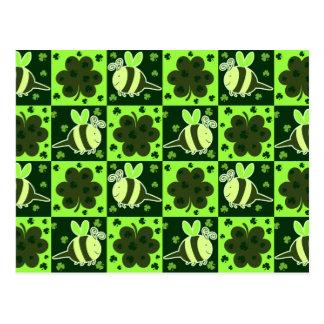 Lucky Green Checkered Bee Pattern Postcard
