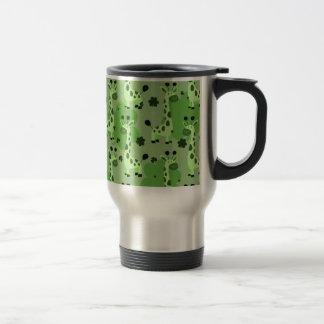 Lucky Green Giraffe Pattern Travel Mug