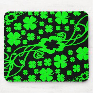 Lucky Irish four leaf clovers Mousepads