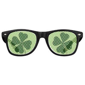 Lucky Man   Green Clover Wayfarer Sunglasses