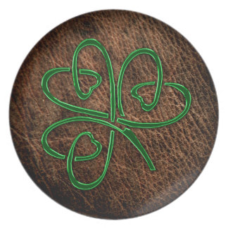 Lucky shamrock on natural leather dinner plate