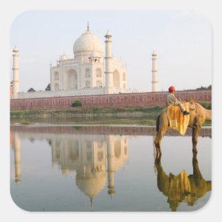 Lugar de enterramiento famoso del templo del Taj Pegatina Cuadrada