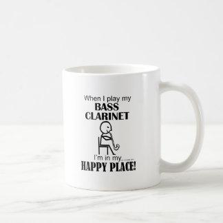 Lugar feliz del clarinete bajo taza