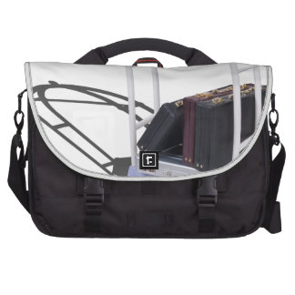 LuggageCartBriefcases103013.png Laptop Messenger Bag
