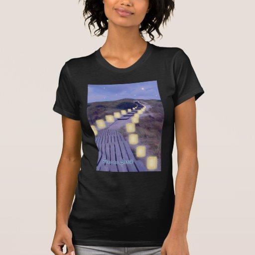Luminarias en la trayectoria de la playa camisetas
