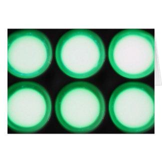 Luminiscencia verde tarjetón