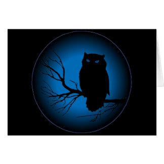 Luna azul del búho fantasmagórico felicitación