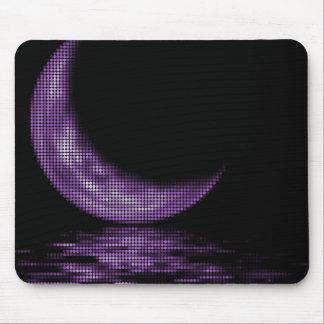 Luna creciente de la reflexión en púrpura del lago alfombrillas de ratones
