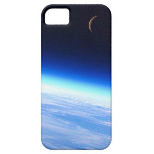 Luna creciente sobre una tierra que brilla iPhone 5 fundas