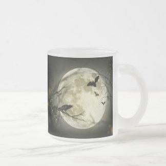 Luna de Halloween Taza De Café Esmerilada