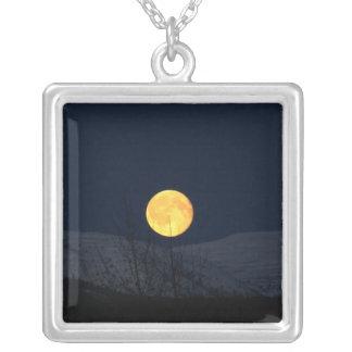 Luna de la montaña colgante cuadrado