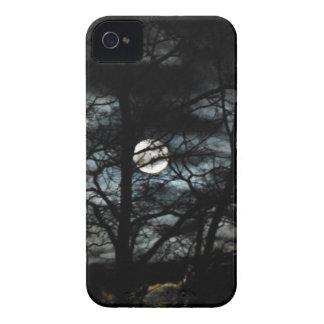 Luna de la noche iPhone 4 Case-Mate carcasa