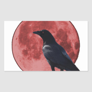 Luna de la sangre con el cuervo pegatina rectangular