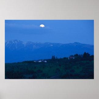 Luna de las buenas noches poster