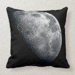 Luna de las tierras almohadas