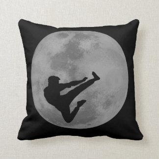 Luna de Ninja de los artes marciales Cojines