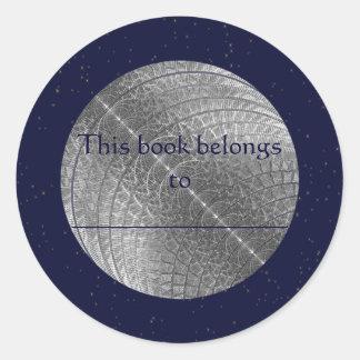 Luna de plata de la nieve etiqueta redonda