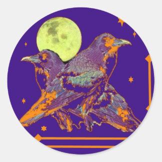 Luna del gótico de los cuervos de noche por pegatina redonda